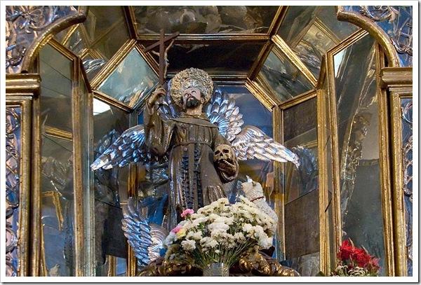 Sao_Francisco_de_Assis,_convento_de_Sao_Francisco,_Quito