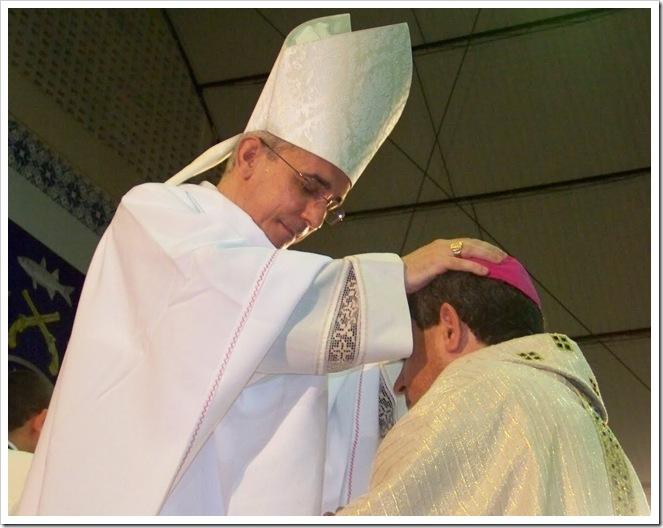 Sucessão apostólica